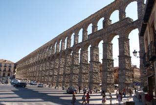 Segoviako zubia, ura hirira ekartzeko egin zuten. Bidaia batean ateratako argazkia
