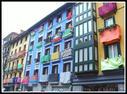 Tolosako fatxada koloretsuak.