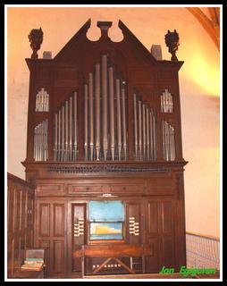Organo zaharra, 1790 urte inguruan egina.