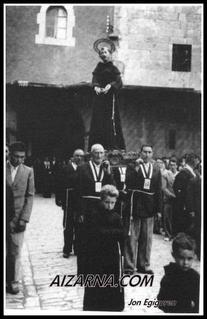 Aizarnako prozesio bat irudiarekin.