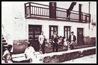 Festak alaitzen txistulariak (1930) Argazkia familia Navas