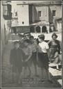 Zz-Santiago Carrero eta bere lagunak Aizarnako plazan (1945)