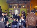Eguerdi aldera tabernara bazkaltzera bestela  zenek abestu arratsaldean. Konpitterokuan abesten ari zirela atera nien argazki hau.