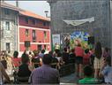 Eskola txikien ekitaldiko irudia herriko plazan ( 1 )